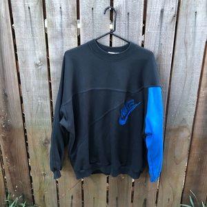 Vintage 90s Nike Men's Black Crewneck Sweater